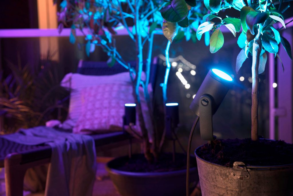 philips hue outdoor lily spots